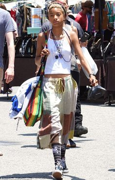 Willow Smith wears a nose ring paired with Rasta accessories at flea market | Daily Mail Online