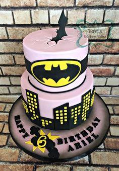 Batman Birthday cake - cake by Lori Mahoney (Lori's Custom Cakes) Batman E Batgirl, Batgirl Cake, Batgirl Party, Batman Girl, Batman Party, Catwoman, Lego Batman Cakes, Batman Birthday Cakes, Superhero Birthday Party