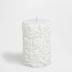 White cylindrical candle with raised designs - Candles - Decoration | Zara Home Jordan