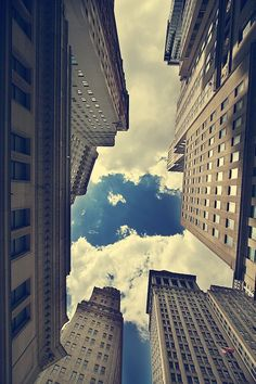 thelavishsociety:  Up In The Sky by Mikkel Laumann   LVSH