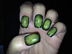 Tus uñas serán el comienzo de tu transformación hacia un zombie.