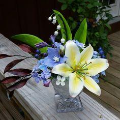 Amanda Lewis cold porcelain arrangement