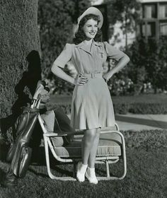Paulette Goddard, Film World, Romantic Scenes, Actrices Hollywood, Classic Actresses, Joan Crawford, Photo Black, 1940s Fashion, Vintage Girls