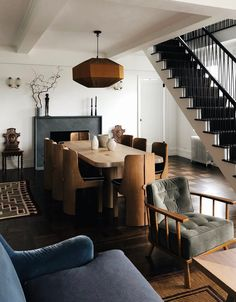 Inspirational ideas about Interior Interior Design and Home Decorating Style for Living Room Bedroom Kitchen and the entire home. Curated selection of home decor products. Dining Room Inspiration, Interior Inspiration, Design Inspiration, Beautiful Dining Rooms, Interior Decorating, Interior Design, Diy Decorating, Deco Design, Home And Deco