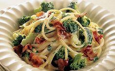 Broccolisauce til pasta Nem og lækker hovedret på 30 minutter og med kun fem ingredienser!