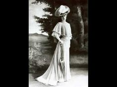 ▶ fashion 1900-1910. We can see the change of fashion in this decade via this video. The typical of clothing was hat, corset and long dress. Youtube (18.10.13). fashion 1900-1910 (uploaded 26.10.09).  http://www.youtube.com/watch?v=tVqoUtvxSSI&list=PL22828CF460CBD9DA