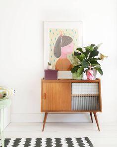 Midcentury Modern, Dresser Styling, Modern Vintage Fashion, Vintage Style, Interior Decorating, Interior Design, Storage Design, Furniture Inspiration, Humble Abode