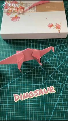 Instruções Origami, Origami Videos, Origami And Kirigami, Paper Crafts Origami, Origami Design, Paper Folding Crafts, Diy Crafts For Gifts, Paper Crafts For Kids, Origami Diagrams