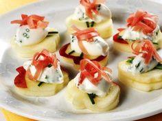 Tartine di #mele con formaggio e speck #fingerfood #appetizer #aperitivo