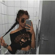 grunge band t shirt fashion inspo trends summer winter fall spring street style cool accessories jewellery clothing outfit Mode Outfits, Casual Outfits, Summer Outfits, Style Feminin, Looks Vintage, Tumblr Girls, Mode Inspiration, Mode Style, Fashion Killa