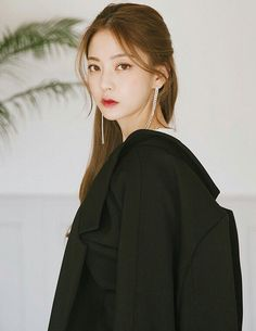 Lim bora Kfashion Ulzzang, Ulzzang Girl, Korean Girl Fashion, Ulzzang Fashion, Asian Cute, Beautiful Asian Girls, Bora Lim, Korean Model, Pop Fashion