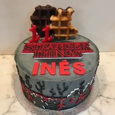 Fondant, Poppy Cake, Stranger Things Netflix, Cake Ideas, Birthday Cake, Cakes, Tattoo, Desserts, Birthday Cakes