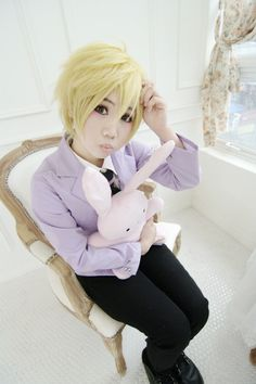 *Hunny from ouran high school host club <3 cosplay :D I sooo want that stuffed bunny