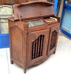 Mobile radio in rovere massello provenzale scolpito+ prima metà '900
