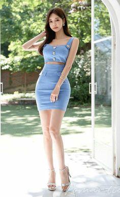 Korea Fashion, Asian Fashion, Girl Fashion, Good Looking Women, Voluptuous Women, Cute Asian Girls, Indian Beauty Saree, Beautiful Asian Women, Colorful Fashion