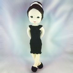 I already shared how to do her eyes and her hair, now finally, I finished the pattern for her body. Here comes my Audrey Hepburn Style Crochet Doll! I tested it for two yarn and hook sizes and now,…