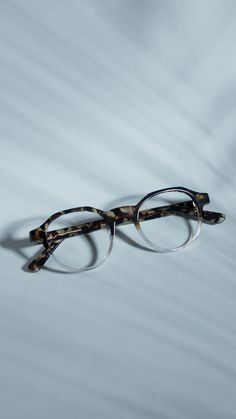 5eec91f8035f Men s round frame glasses. Two-tone colours. Swimwear