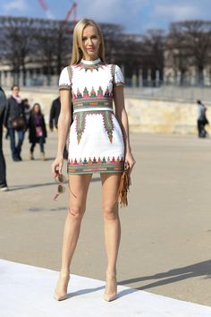 A little white dress with an unexpected twist.  #Streetstyle at Paris Fashion Week #PFW