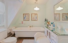 This streamlined soaker tub is everything.