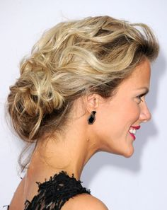 I love this beautiful updo on Brooklyn Decker!
