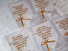 Hímzett szülőköszöntő kendő, ajándék esküvőre egyedi szöveggel