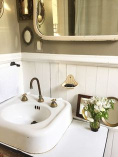 Love this old sink!