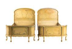 """Queen Anne Möbel -Es gibt nichts weiter moderne , als Ludwig XVI Möbel und mit einer neoklassizistischen Form und elegant mit Art"""" verkaufen in New York am 7. und 8. Oktober, Deutsch Rokoko und Queen Anne waren Stile, die er verwendet, um Offset-Miró und de Kooning in der großen Halle! Der Stuhl war ein Wrack …"""