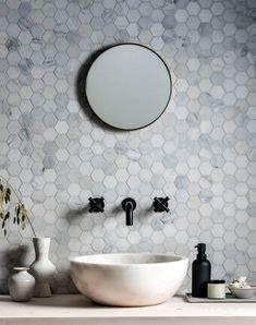 Visit Mandarin Stone to see our elegant Alsace Honed Marble Hexagon Mosaic tiles, ideal for white marble bathrooms. Hexagon Tile Backsplash, Hexagon Tile Bathroom, Hexagon Mosaic Tile, Bathroom Flooring, Marble Mosaic, Honeycomb Tile, Tiling, Mosaic Tile Bathrooms, Bathroom Cabinets