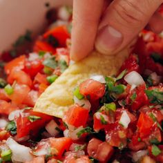 Mexican food recipes 80361174587535575 - This pico de gallo recipe is fresh, delicious and easy to make! You'll need only 5 ingredients to make this classic Mexican dip—tomato, onion, cilantro, jalapeño and lime. Source by cookieandkate Gourmet Recipes, Appetizer Recipes, Vegetarian Recipes, Cooking Recipes, Healthy Recipes, Seafood Appetizers, Clean Eating Snacks, Healthy Eating, Mexican Salsa Recipes