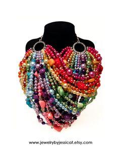 SUPER STATEMENT Necklace Rainbow Pink Purple por JewelryByJessicaT
