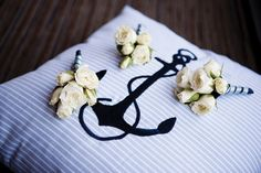 Sweet boutonniere of spray roses