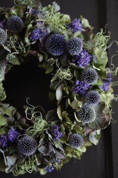 beautiful decorative wreath with leaves and deep purple dried flowers Dried Flower Wreaths, Wreaths And Garlands, Xmas Wreaths, Lavender Wreath, Dried Flowers, Flower Garland Wedding, Flower Garlands, Flower Decorations, Deco Floral