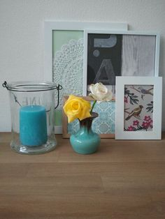 Put wallpaper samples (from the DIY shop), doilies and postcards in a frame and create a little gallery at home!
