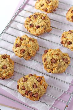 Vegetable Cookies?! A delicious breakfast cookie recipe, packed full of healthy oats, carrots, apples and banana. Great for picky eaters! | My Fussy Eater blog