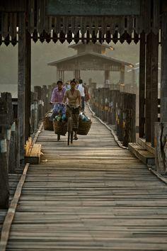 Pont U Bein a Mandalay le plus gd pont du monde entierement en teck Burma Myanmar Travel Honeymoon Backpack Backpacking Vacation Myanmar Travel, Burma Myanmar, Asia Travel, Vacation Travel, Laos, Vietnam, Brunei, Travel Around The World, Around The Worlds