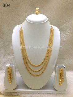 How To Clean Gold Jewelry With Vinegar Gold Wedding Jewelry, Gold Rings Jewelry, Golden Jewelry, Jewelery, Gold Necklaces, Jewelry Stand, Jewelry Shop, Jewelry Making, Gold Ring Designs
