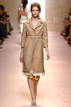 Alberta Ferretti Spring 2006 Ready-to-Wear Collection - Vogue Alberta Ferretti, Ready To Wear, Fashion Show, Runway, Vogue, Shirt Dress, Spring, Coat, Model