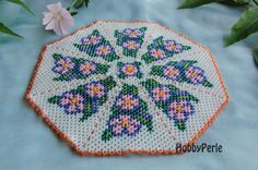 Spring Doily Pattern by HobbyPerle on Etsy Bead Loom Patterns, Doily Patterns, Flower Patterns, Cross Stitch Patterns, Seed Bead Art, Seed Bead Crafts, Seed Beads, Seed Bead Flowers, Beaded Flowers