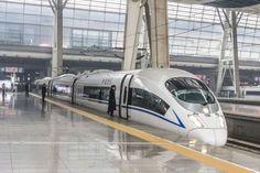 Trem Bala de Pequim, China: por ser um veículo expresso, com velocidade de operação de mais de 350 km/h...