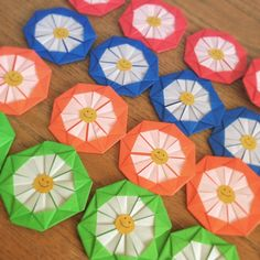 Cute Origami Medals from one piece of paper--crasia. Cute Origami, Paper, Tableware, Dinnerware, Dishes