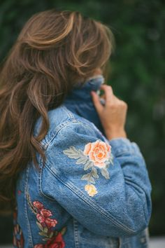Vintage Levis Denim Jacket DIY (Pinned cause I love her hair too)