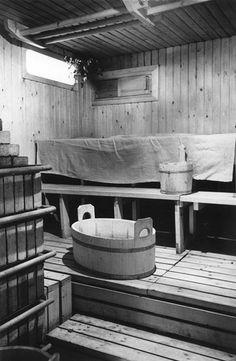 the sauna in Alvar Aalto's Villa Mairea Scandinavian Architecture, Wood Architecture, Scandinavian Design, Swedish Sauna, Finnish Sauna, Outdoor Sauna, Rural Retreats, Timber Cladding, Bath And Beyond