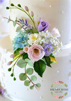 Blüten aus Fondant - schöne Farben zum Frühling