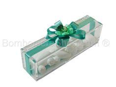 Scatolina plexi portaconfetti confezionata con fiore e nastro tiffany