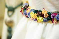 Cinturón floral para traje de novia de Demi Novias