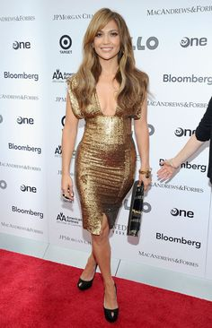 Lighting up room Apollo Theater 2010 | Jennifer Lopez's 71 Sexiest Styles Ever | POPSUGAR Fashion Photo 39