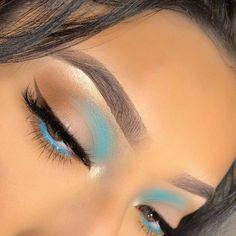 Makeup Eye Looks, Eye Makeup Art, Pretty Makeup, Skin Makeup, Makeup Inspo, Blue Eyeliner Looks, Makeup Ideas, Make Up Glow, Maquillage On Fleek