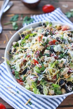 Mexican Chopped Tuna Salad with Creamy Cilantro Dressing - delicious lunch or dinner meal with homemade pico de gallo and creamy dressing! Super healthy and light. | littlebroken.com @littlebroken