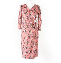 Roze cvetna haljina sa dugim rukavima