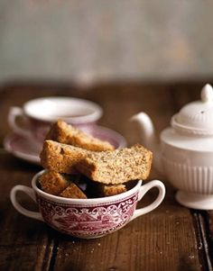 Ouma is a South African rusk made from a traditional buttermilk recipe. It was first produced in the rural town of Molteno, in the Eastern Cape in Rump Steak, Buttermilk Recipes, Biltong, Cape Town, Family Meals, Farming, Yummy Treats, Depression, Families